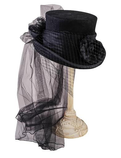 Victorian Style Hats, Bonnets, Caps, Patterns Gothic Equestrienne Top Hat La Femme $59.95 AT vintagedancer.com