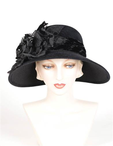 1920s Style Hats Louise Green WidowS Rose Brim Hat $399.95 AT vintagedancer.com