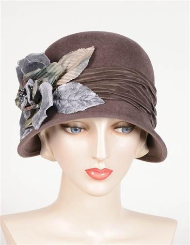 1920s Style Hats Louise Green Ada Cloche $329.95 AT vintagedancer.com