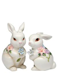 Lily And Daisy Salt And Pepper Shakers