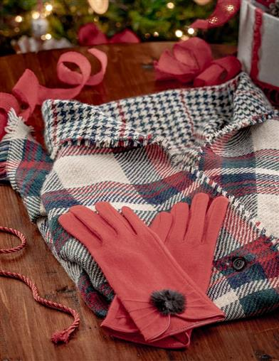 30s Outfits, Ideas for Women Tartan Plaid Wrap  Gloves Gift Set $34.95 AT vintagedancer.com