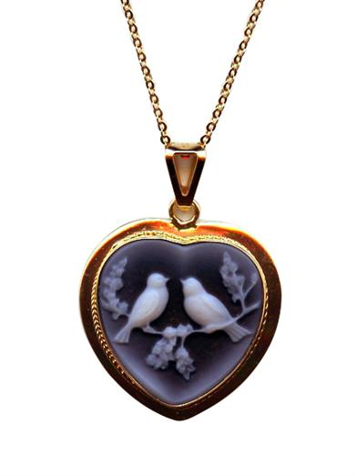 LOVEBIRDS CAMEO NECKLACE (14 KT GOLD)