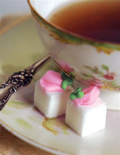DAINTY ROSEBUD SUGAR CUBES (BOX OF 20)