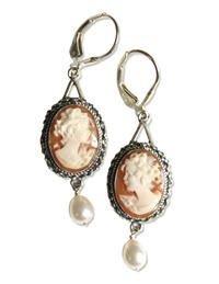 CAMEO EARRINGS WITH PEARL DROP